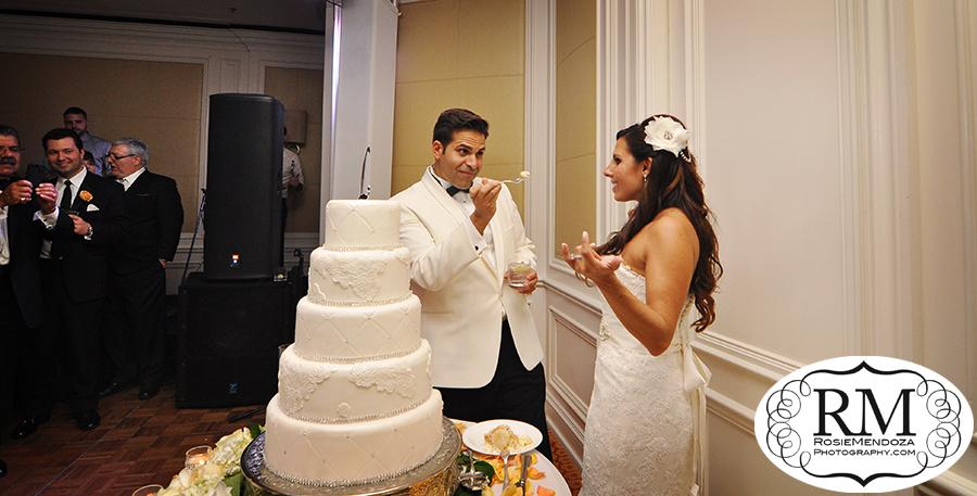 Eau-Palm-Beach-Resort-and-Spa-destination-wedding-cake-photo