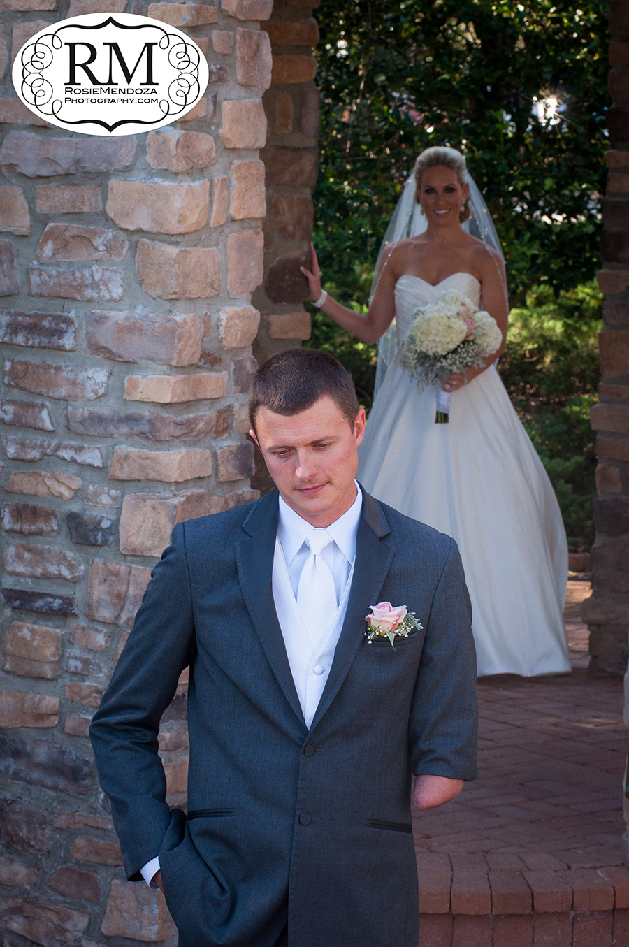 Parkland-Country-Club-wedding-first-look-photo