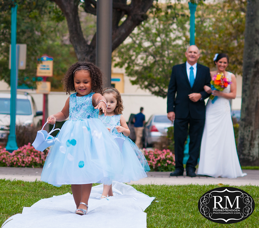 Veterans-Park-Gazebo-Delray-Beach-Destination-wedding-flower-girls-photo