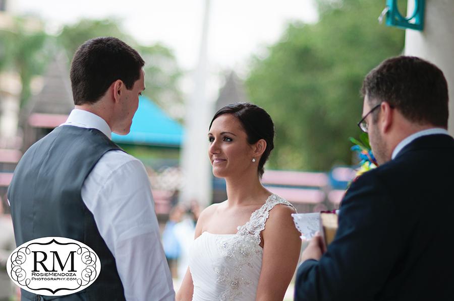 Veterans-Park-Gazebo-Delray-Beach-Destination-wedding-bride-photo