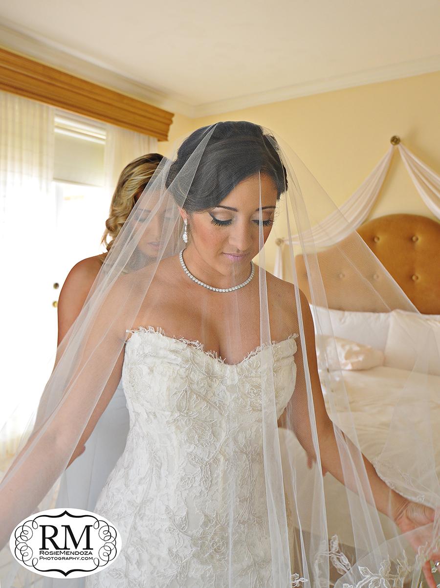 Coral-Gables-Biltmore-Hotel-wedding-veil-photo