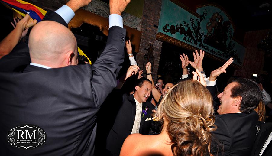 Coral-Gables-The-Cruz-Building-wedding-groom-photo