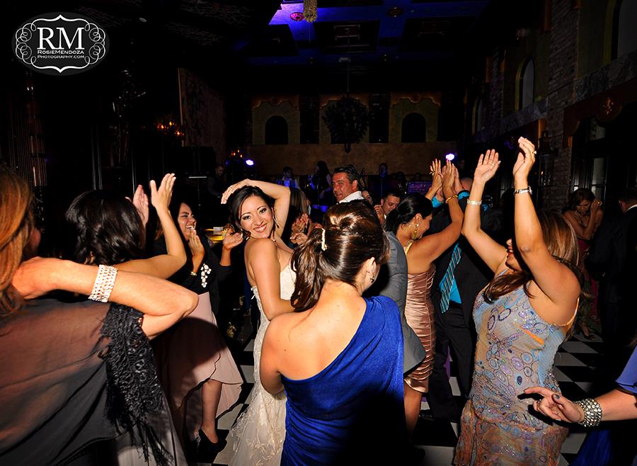 Coral-Gables-The-Cruz-Building-wedding-bride-photo
