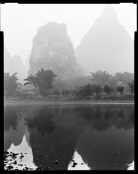 Yangshuo_Li_River_white_working.jpg