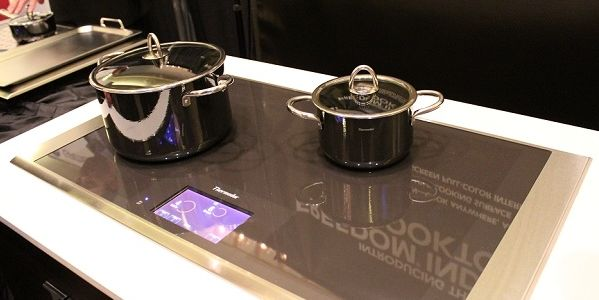 Thermador 36-inch Masterpiece Series Freedom Induction Cooktop (model CIT36XKB). Photo: thermador.com blog