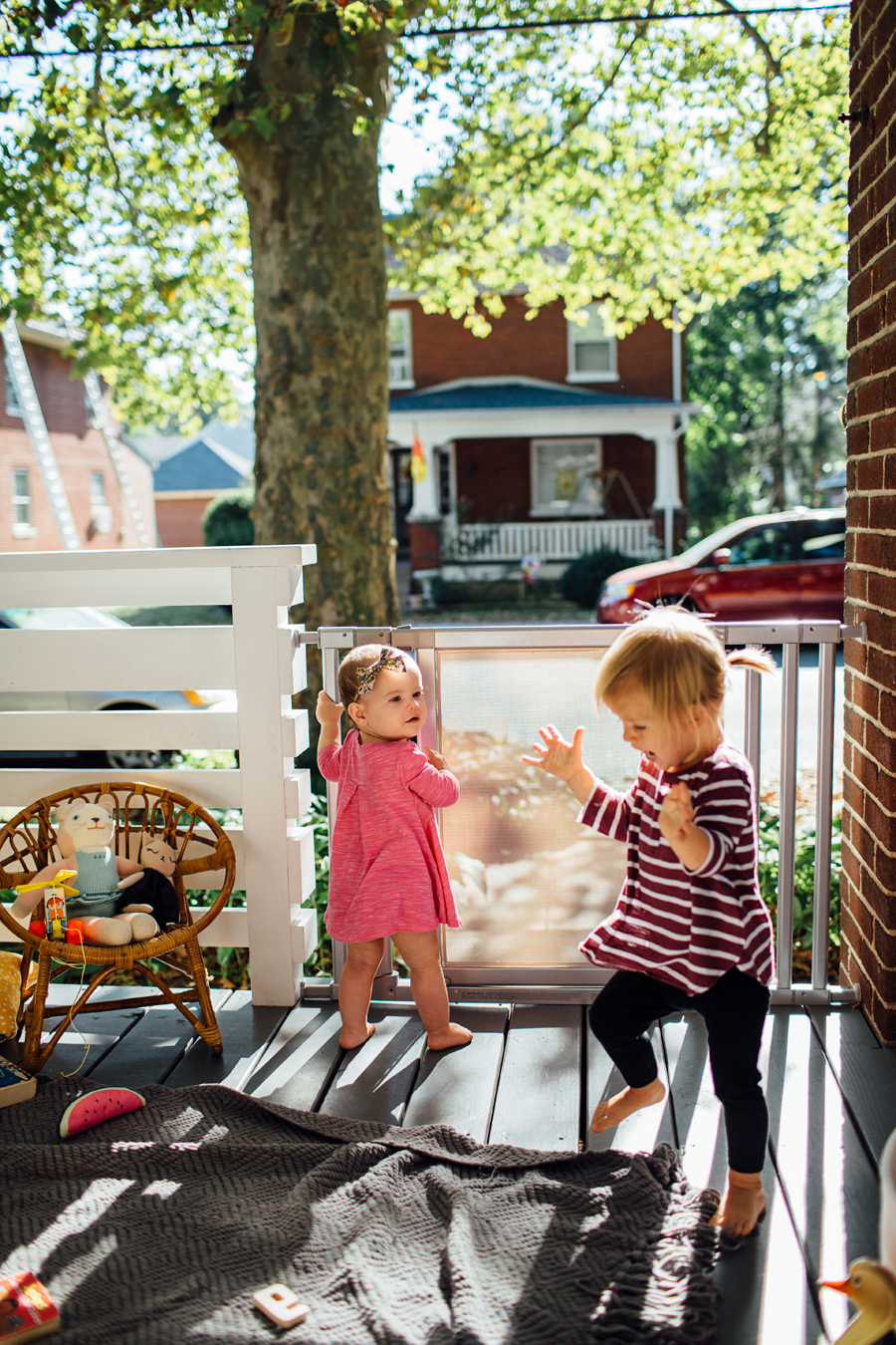 brookecourtney_munchkin_frontporch-27.jpg