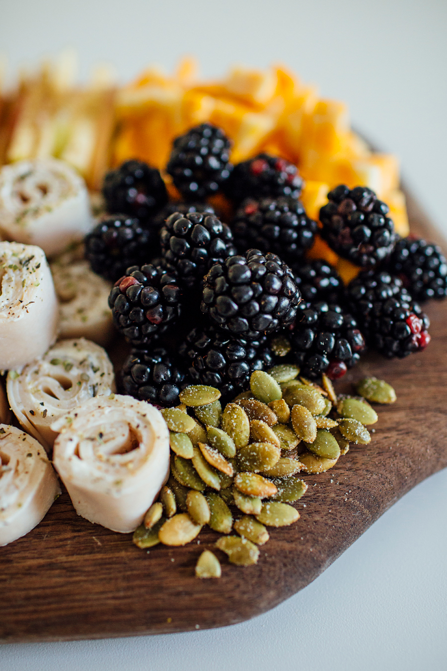 brookecourtney_thanksgivingsnacktray-5.jpg