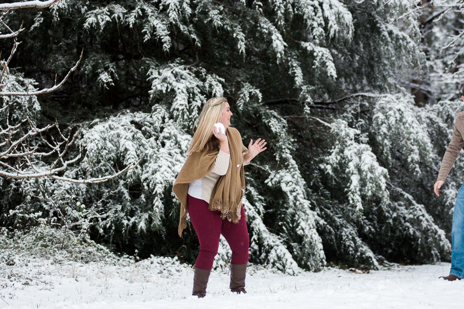 Snow Family Pictures, Lifestyle Family Pictures, Family of 4-12.jpg