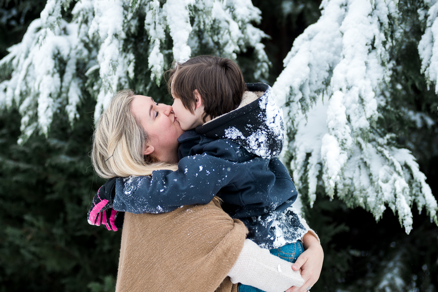 Snow Family Pictures, Lifestyle Family Pictures, Family of 4-51.jpg