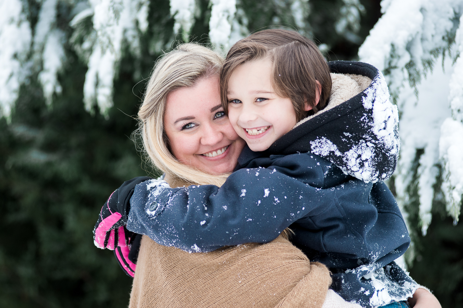 Snow Family Pictures, Lifestyle Family Pictures, Family of 4-52.jpg