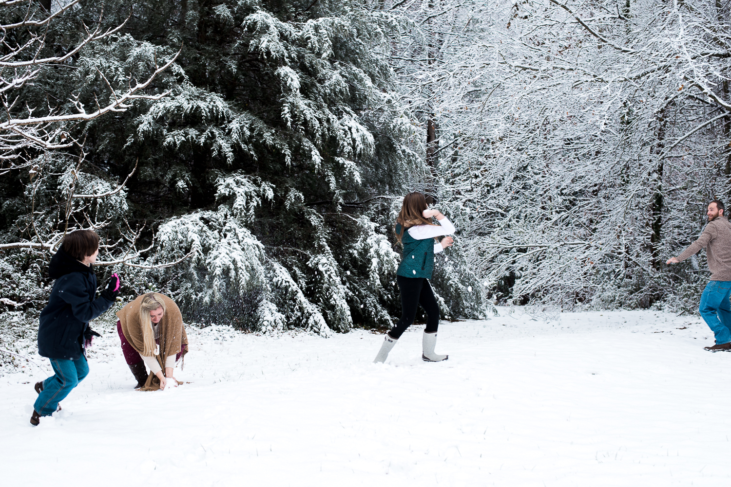 Snow Family Pictures, Lifestyle Family Pictures, Family of 4-83.jpg