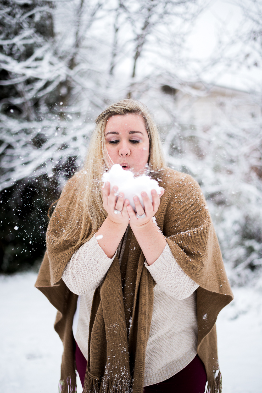 Snow Family Pictures, Lifestyle Family Pictures, Family of 4-92.jpg
