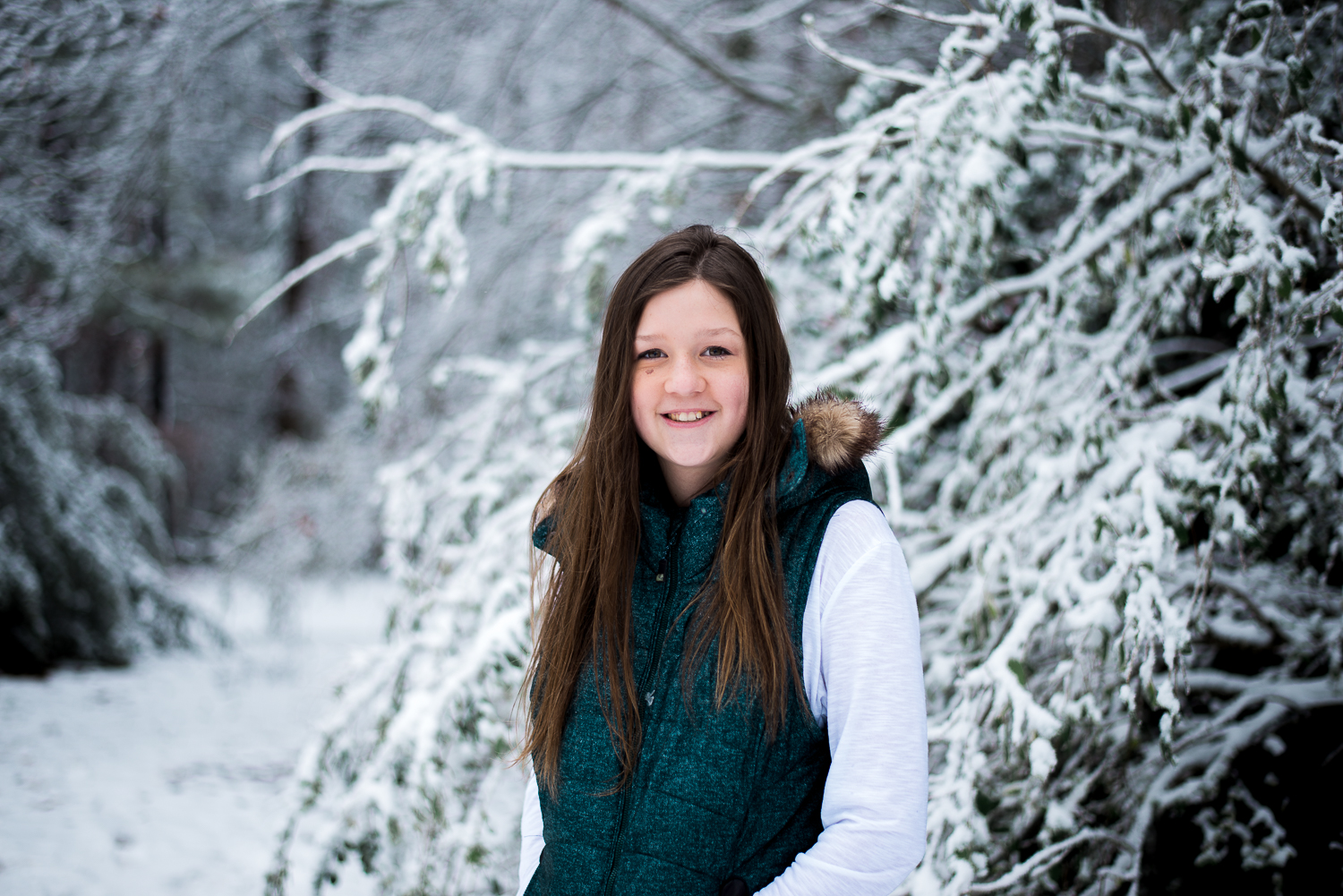 Snow Family Pictures, Lifestyle Family Pictures, Family of 4-109.jpg