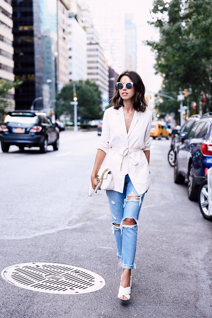 Distressed-Jeans-Outfit-1.jpg