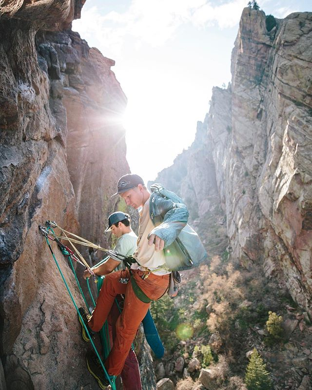 @wademorris12 and @nickschlichtman gearing up to tackle Hairstyles and Attitudes high up on The Bastille in Eldo. [Eldorado Canyon, CO - April 2019 - #optoutside #getoutstayout #solarlife #explore #wanderlust #climbing #spiritofthewest #soulofthewild]