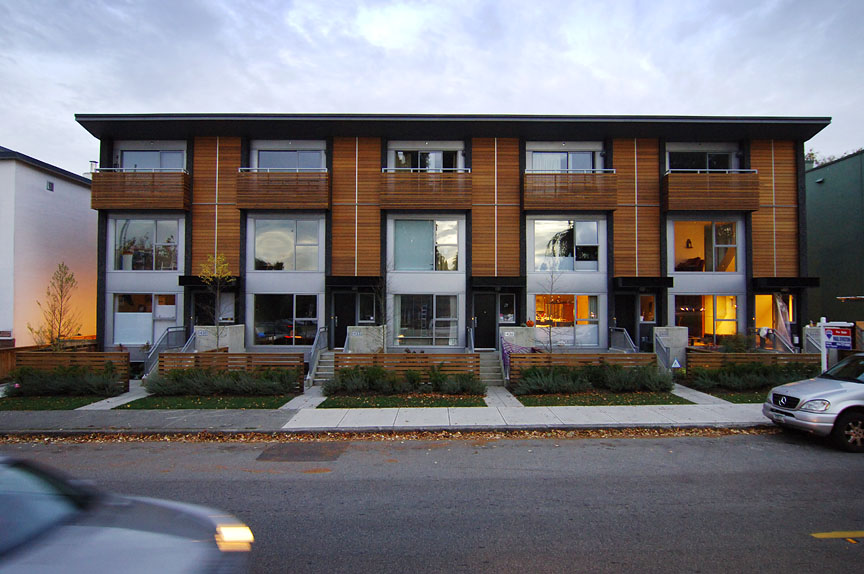 Location: Kits Beach, Vancouver / Size: 1200 sq m, 10 Units / Completed: 2005, while employed at GBL Architects.  Photos by: urbanpictures.com