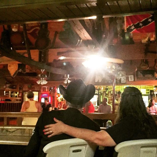#westvirginia #rainbowroadcafe #roadhouse #honkytonk @stephieb478 @buttskin73 @astatum80  (at Rainbow Road Bar)