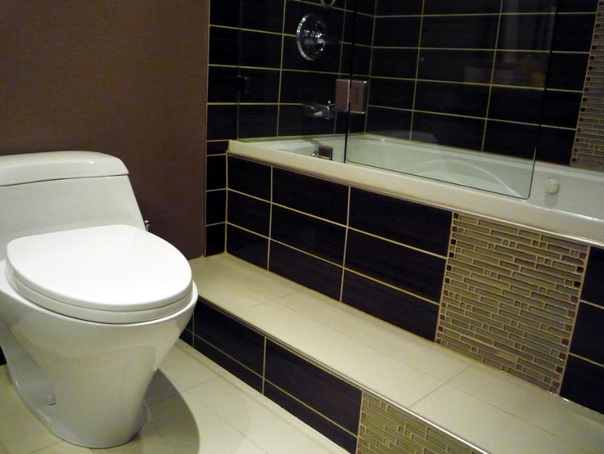 Vancouver Bathroom Renovations - Tiled Bathtub and Toilet.JPG