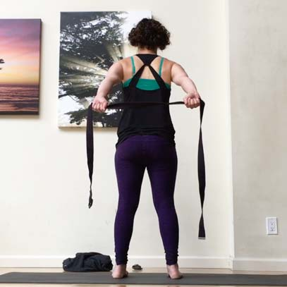 Join Jenn in a practice designed to to help us embody the action of upward rotation of the scapula (shoulder blade) - an important key ingredient in taking our arms overhead easefully and spaciously.