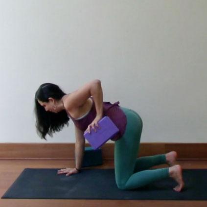 20-Minute Flow: Shoulder Pulling Focus   20 min