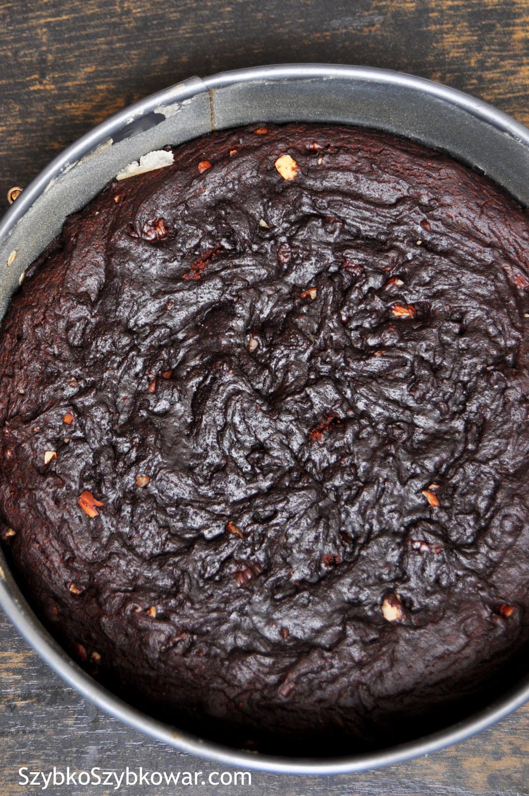 Ciasto po upieczeniu w szybkowarze.