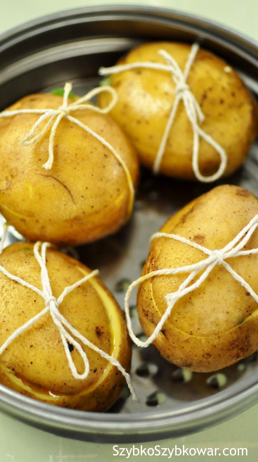 Ziemniaki przygotowane do gotowania.