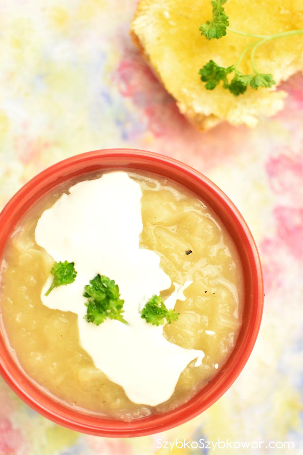 Zupa z białej kapusty.