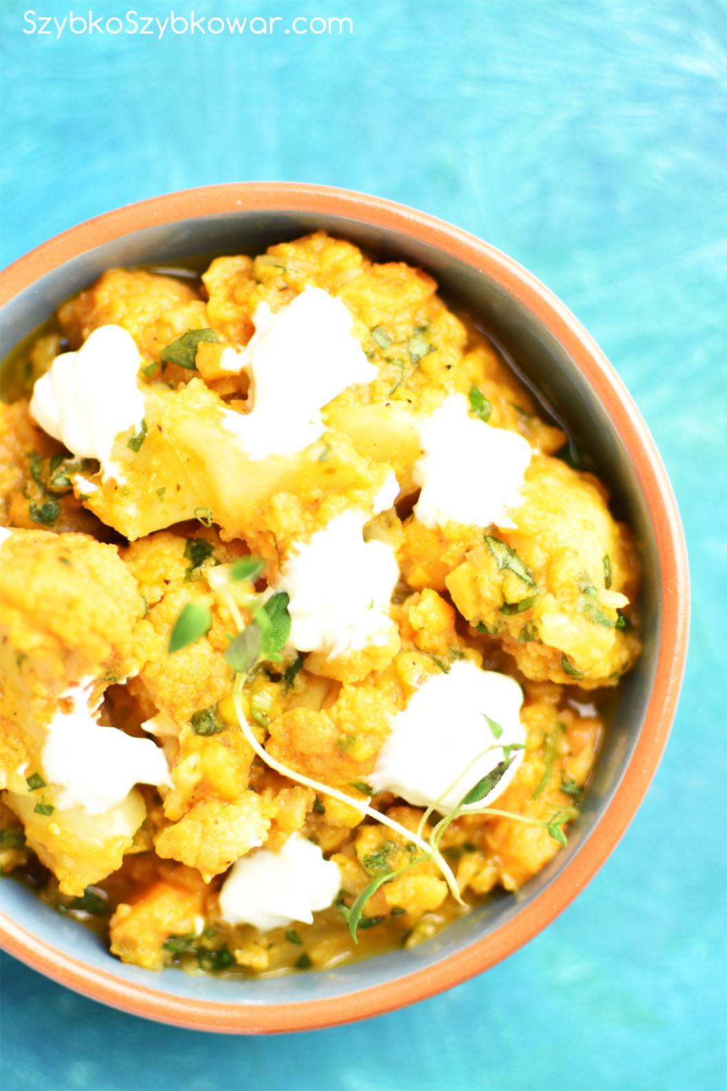 Zupa kalafiorowo - batatowo - pomidorowa z curry