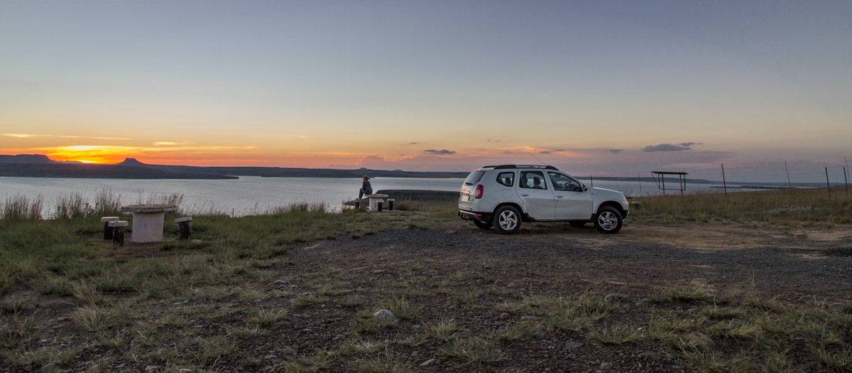 Sterkfontein dam –    Just off the R74, e  n route to Oliviershoek pass.