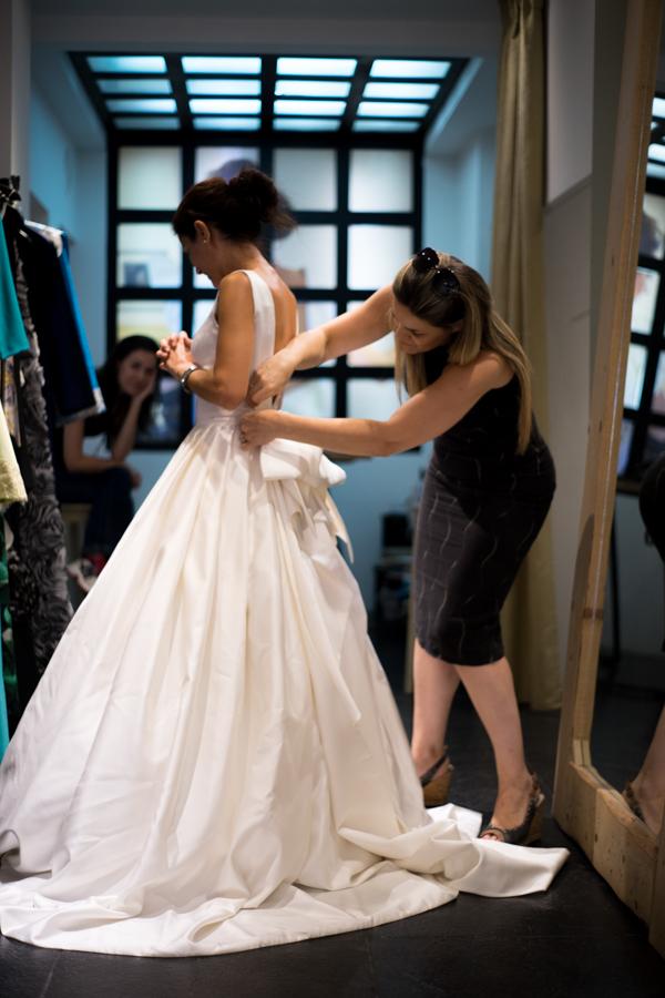 Alkmini atelier, bridal fitting