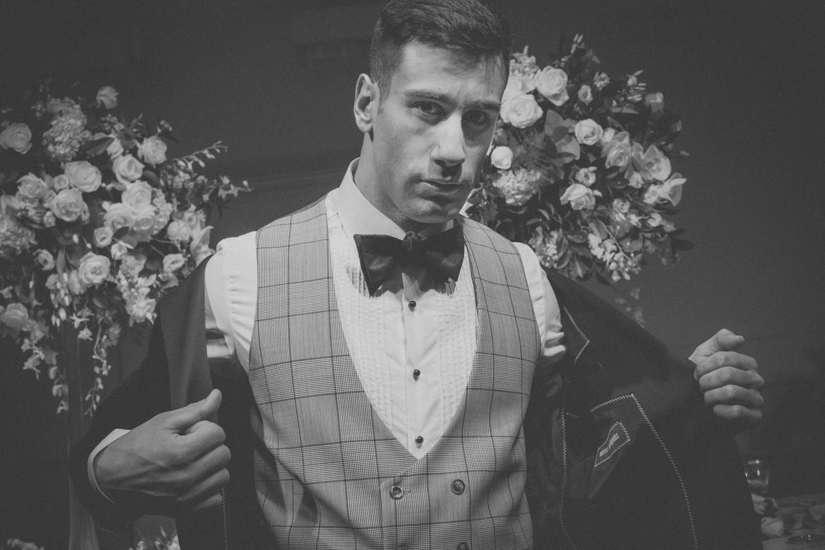 Tuxedo: Merkos Manolopoulos