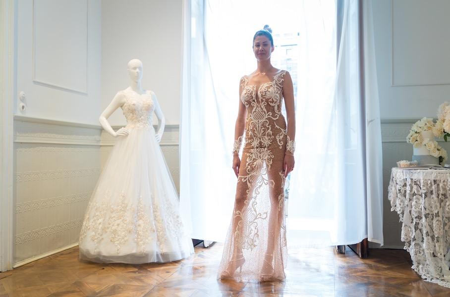 Νυφικό Φόρεμα ALKMINI, νυφικά πέδιλα.