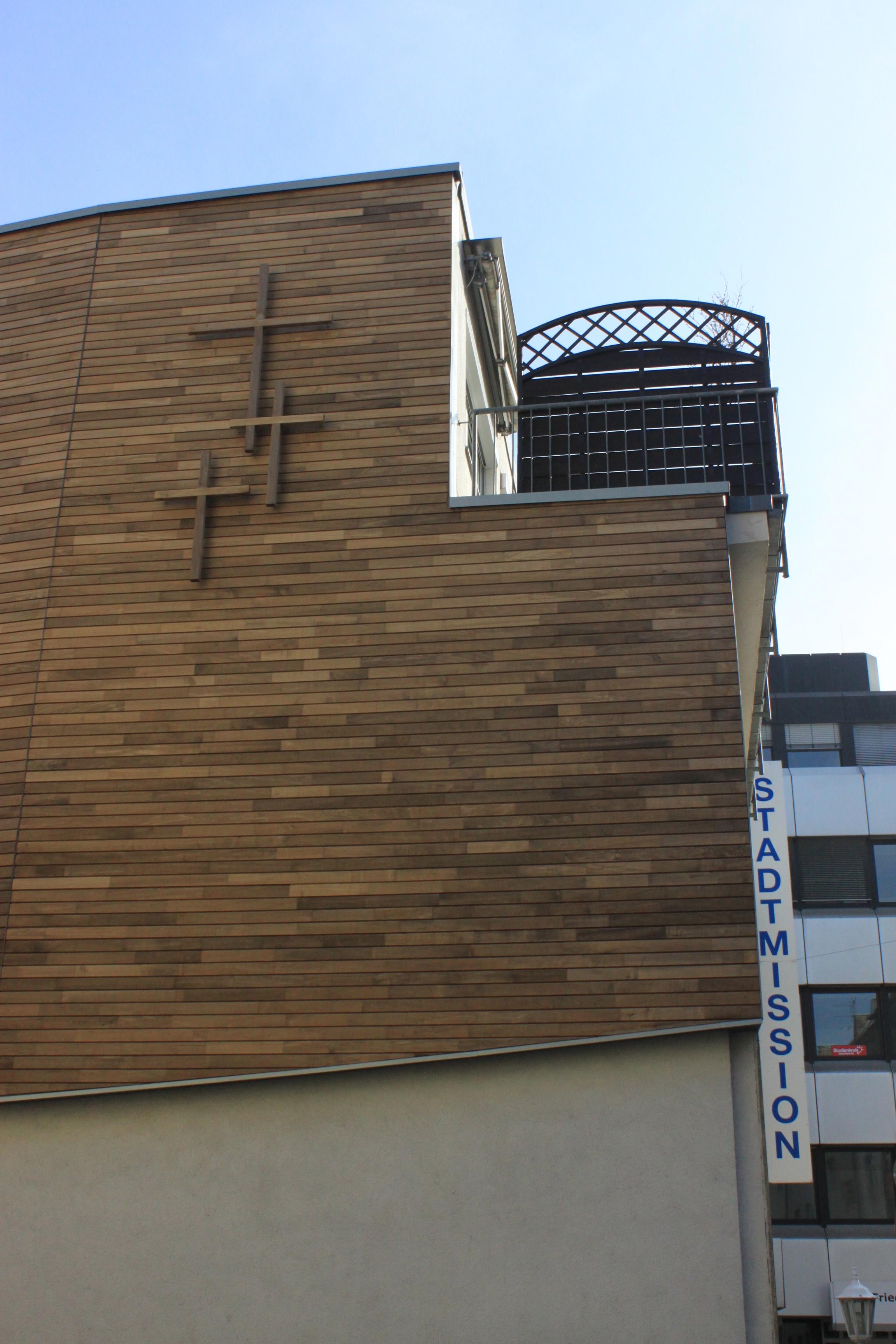 Das Holz und die Kreuze