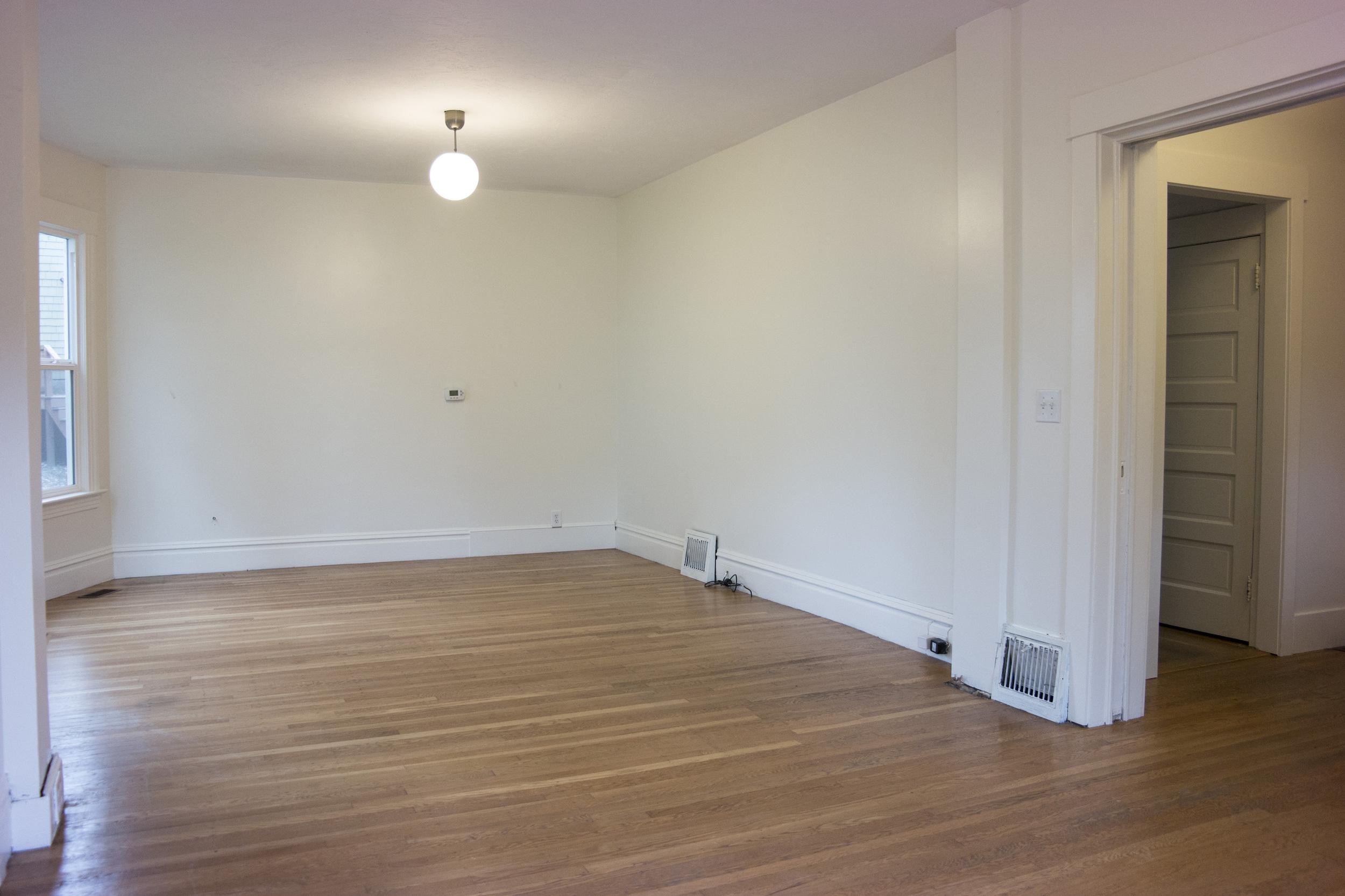 06-Livingroom5.jpg