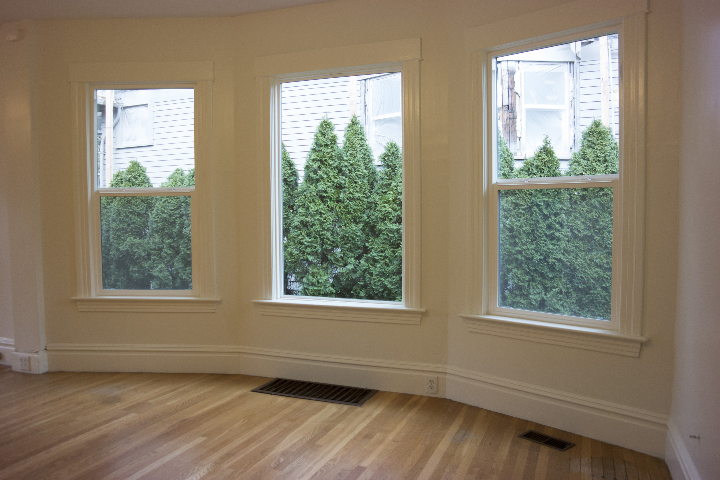 08-Livingroom3.jpg