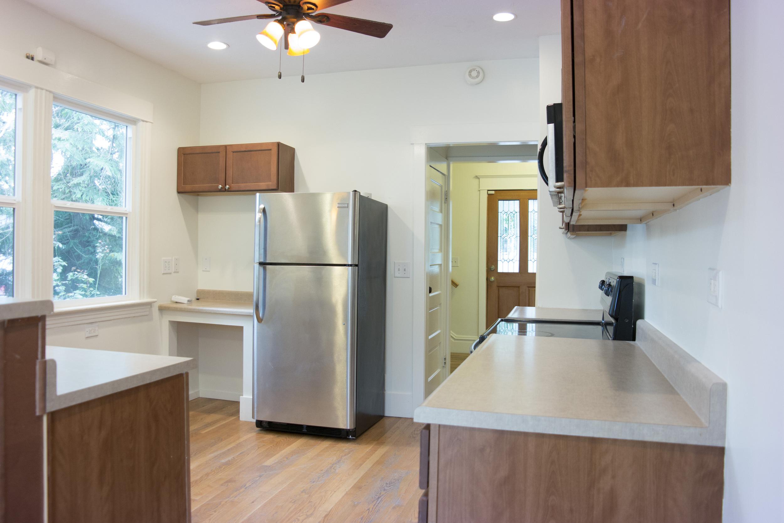 13-Kitchen5.jpg