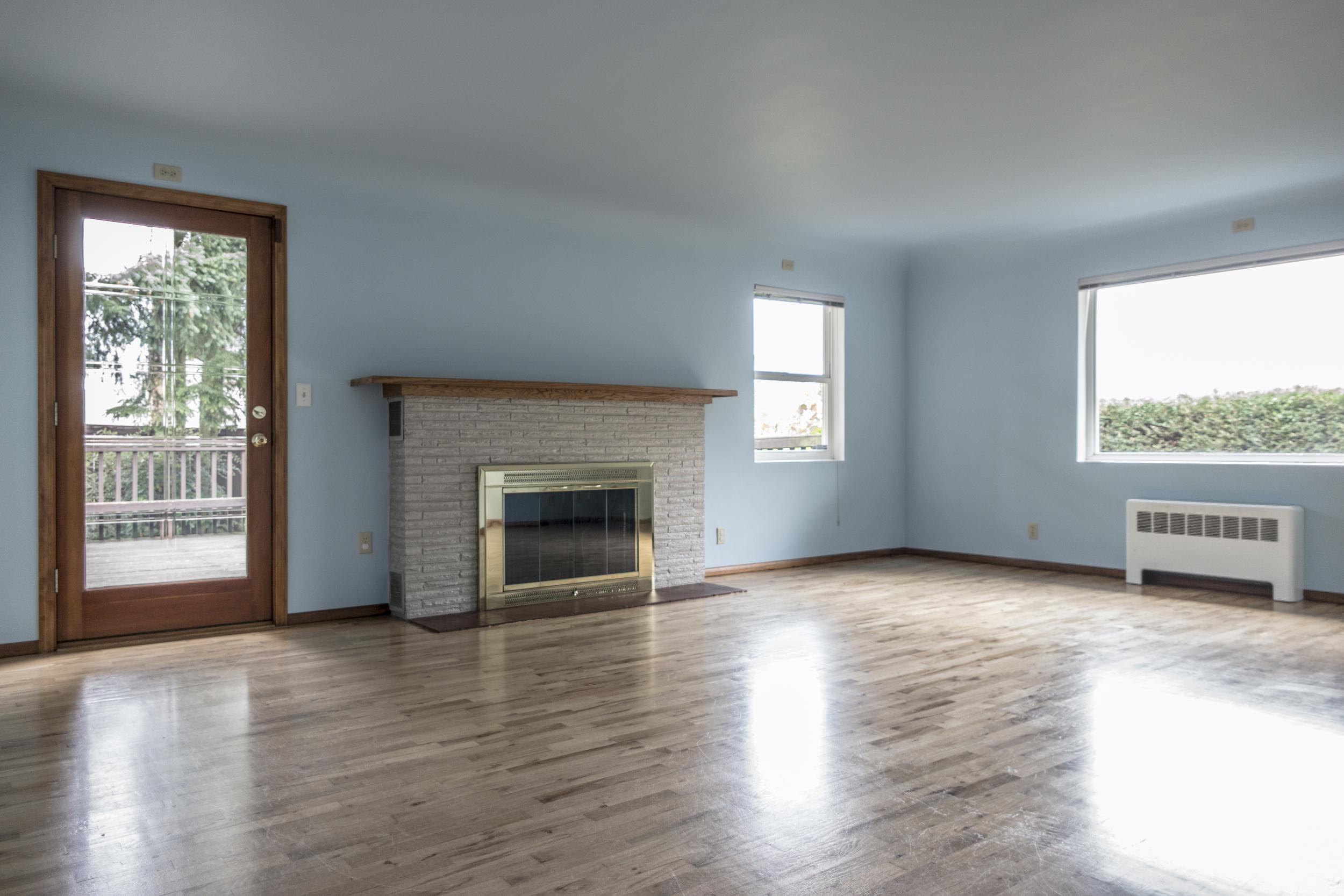 02 Livingroom 01.jpg