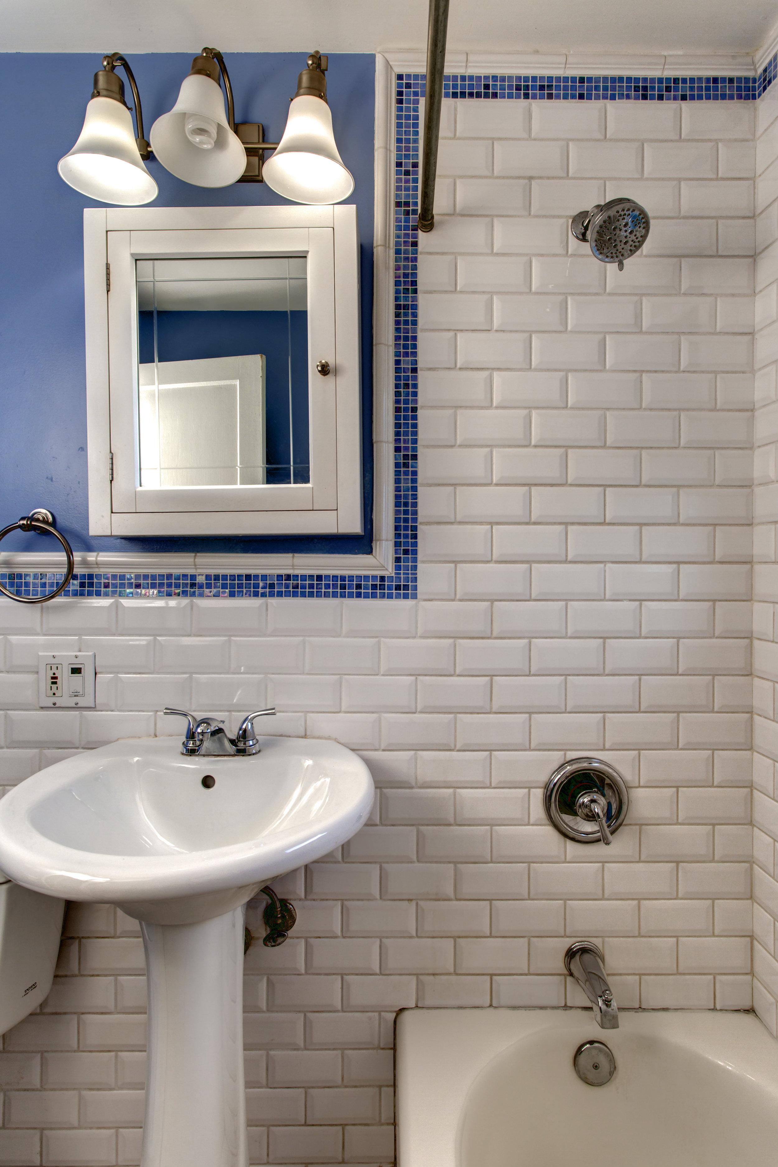 13- Bath02.jpg
