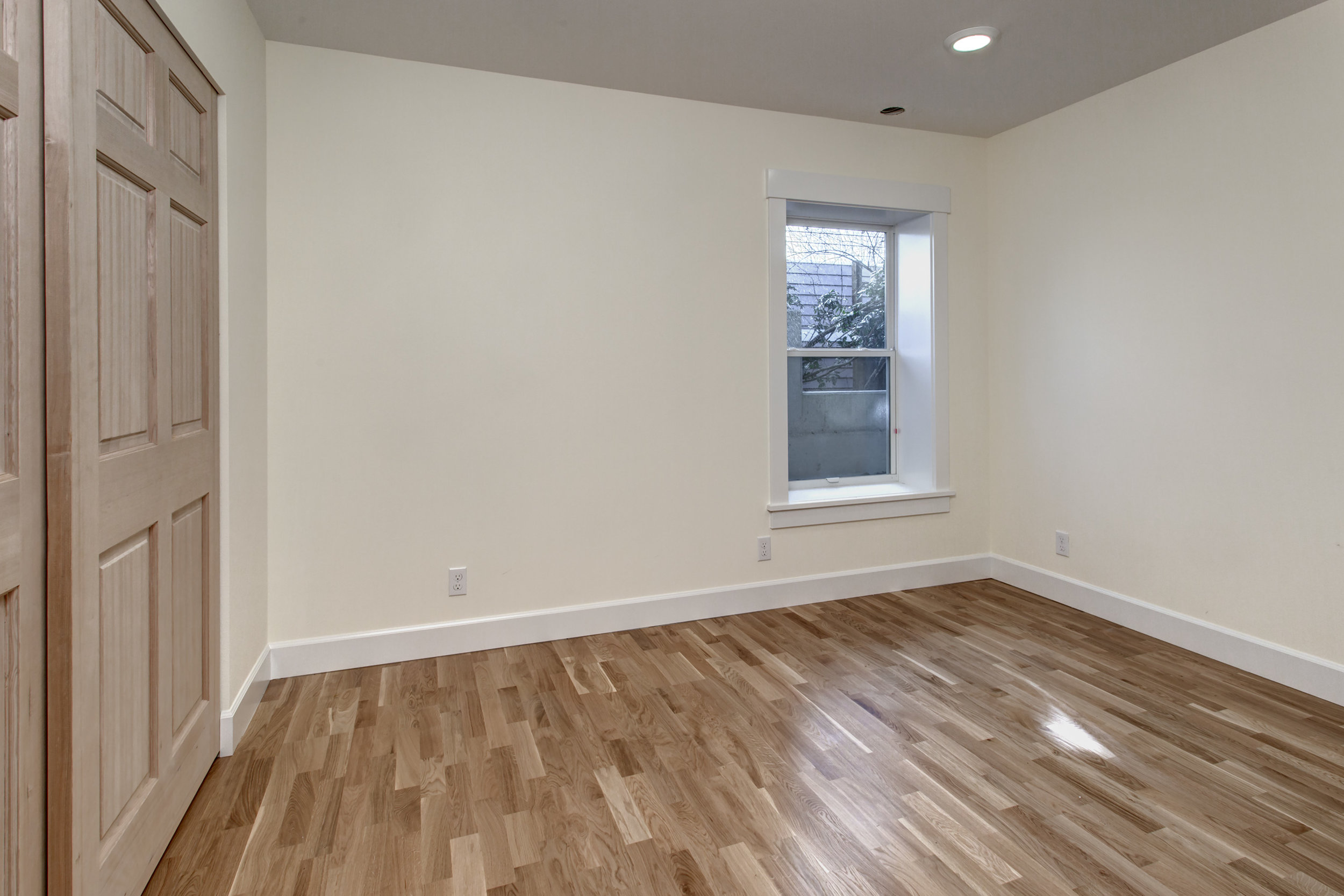 12-Bedroom02.jpg