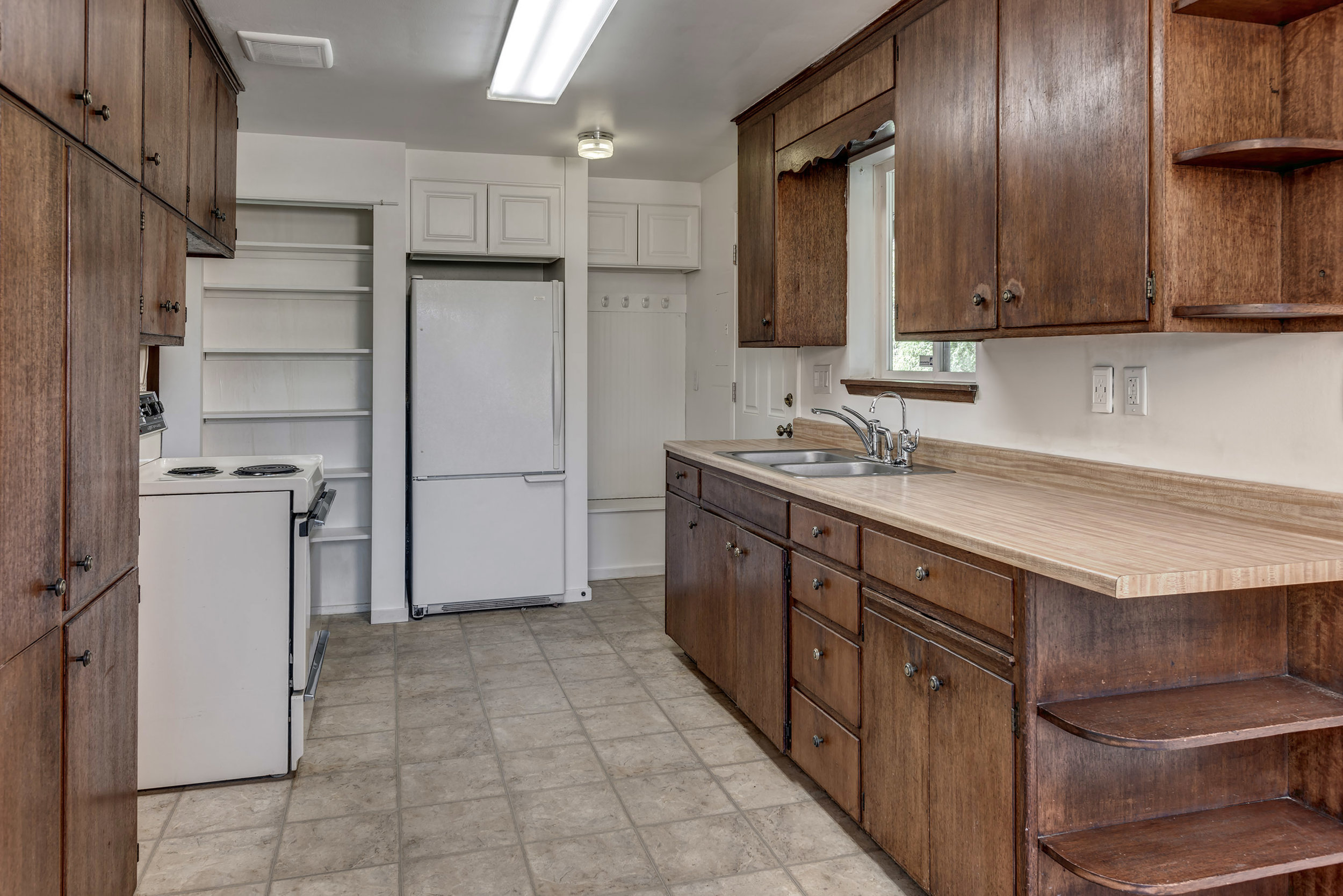 09-Kitchen01.jpg
