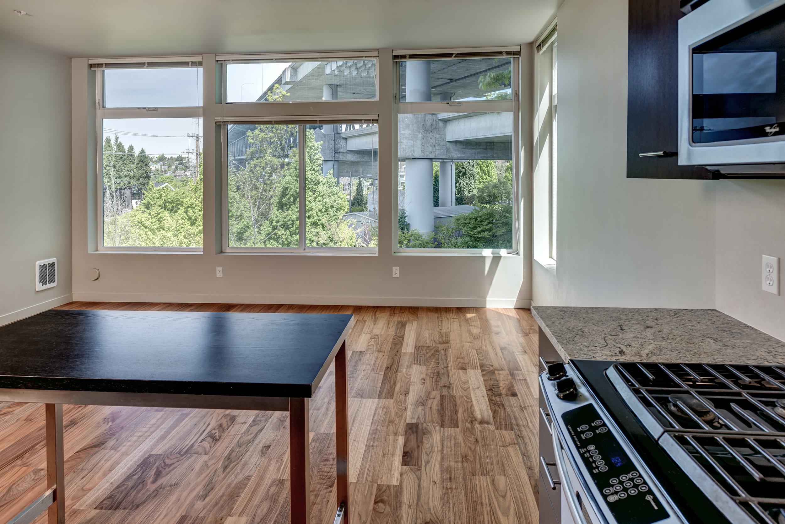 09-Kitchen01.jpg