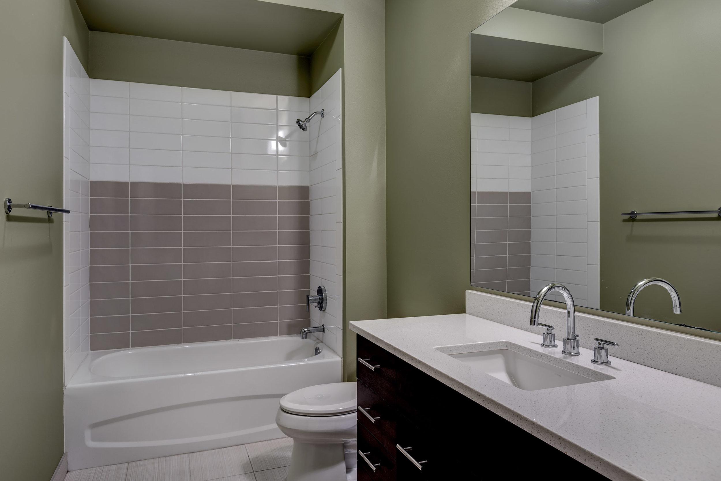 20-Bath01.jpg