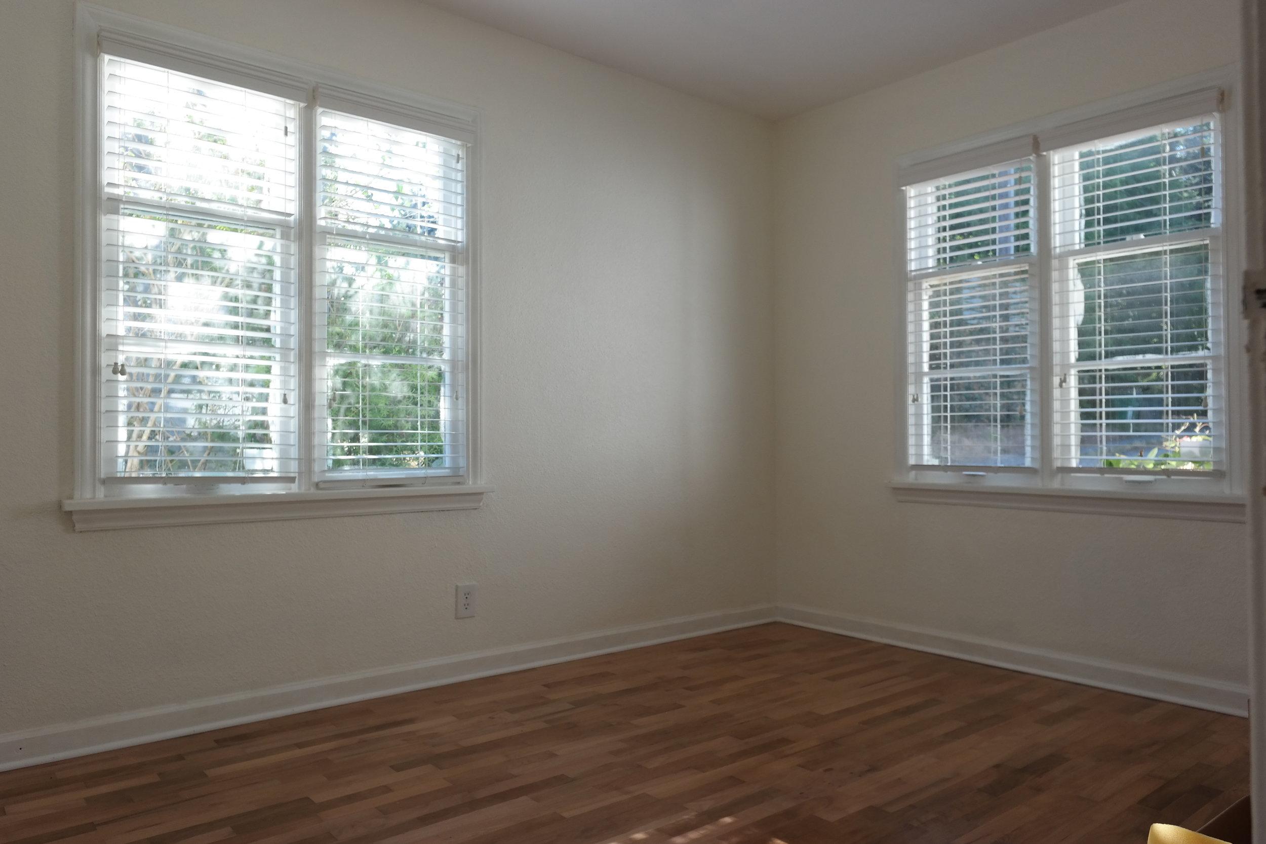 11-Bedroom202.JPG