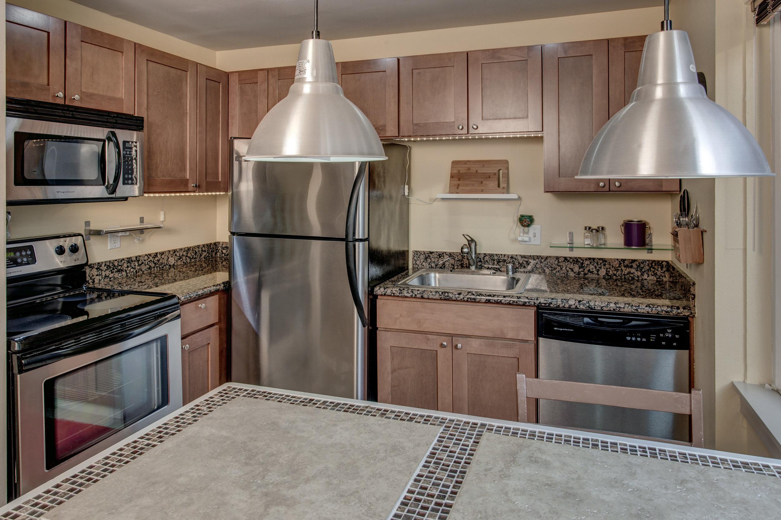 11-Kitchen01.jpg