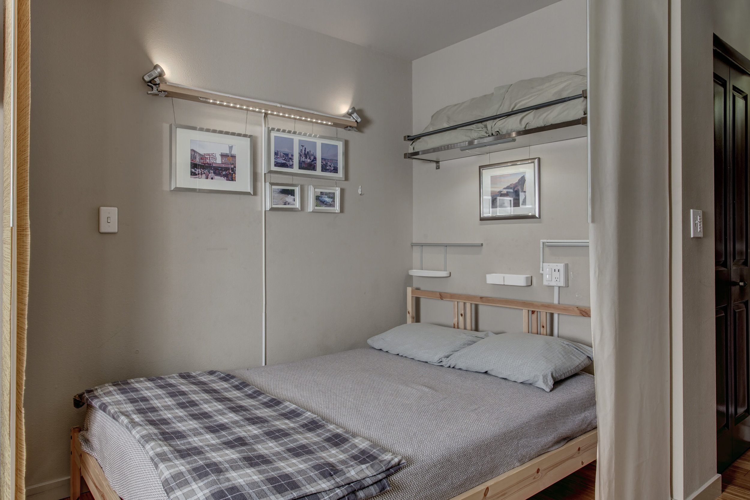 17-Bedroom01.jpg