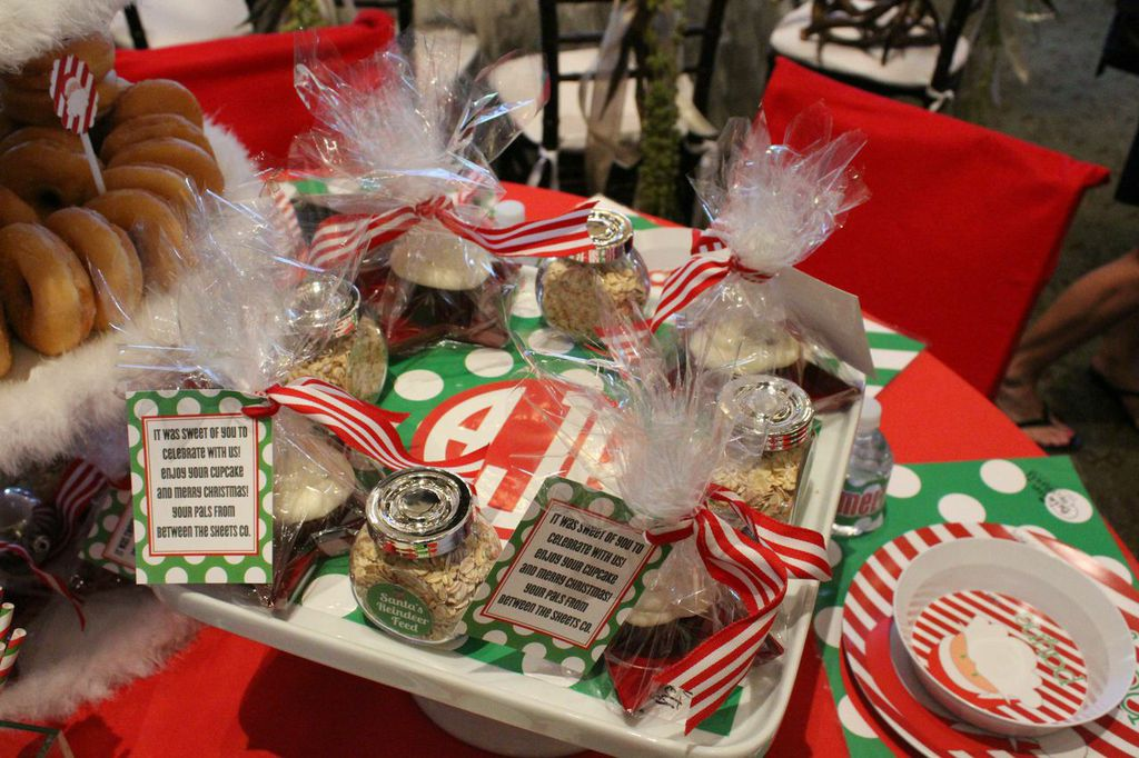 cake plate cling favors