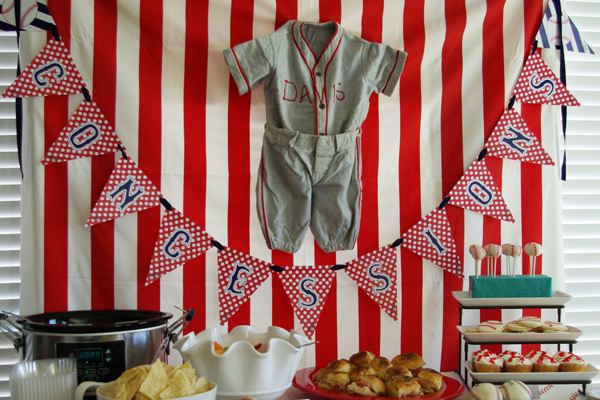 backdrop-vintage-uniform-baseball-shower-table-food-decor