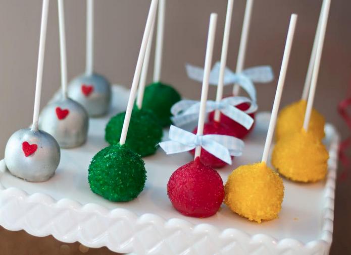 custom cake balls cake pops
