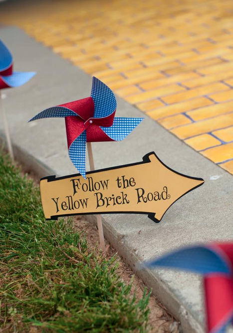 custom signage wizard of oz