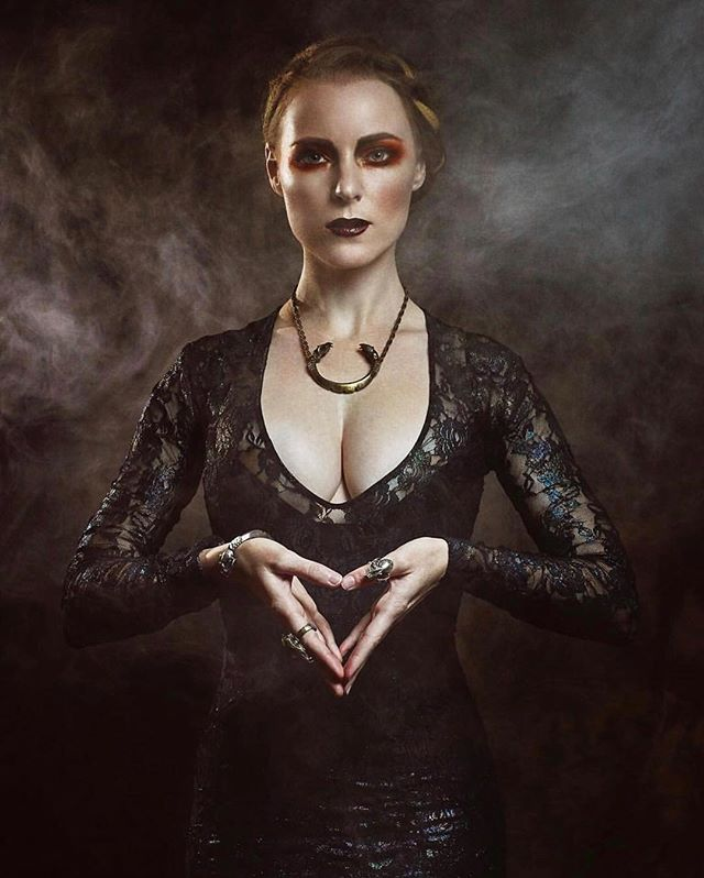 Fierce @jesdru adorned in Miyu Decay jewelry by @stephanieinagaki and my Abalone Unicorn Gown 🖤💫 Photo by @taslimur / MUA fave @eknmakeup / Hair @conjuringhair Check out the jewelry line at www.miyudecay.com #SpookyHabits2018 #darkbeauty #eerie #gothicstyle #miyudecay